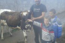 Luksemburg/Makedonija: Okončana decembarska akcija – Predata krava porodici Amidović
