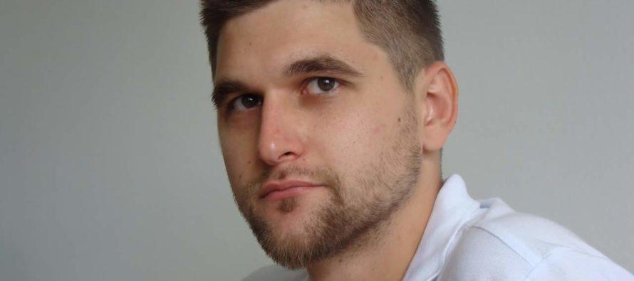 Intervju: Hikmet Karčić – Genocidu i drugim zločinima pristupiti sa naučne strane